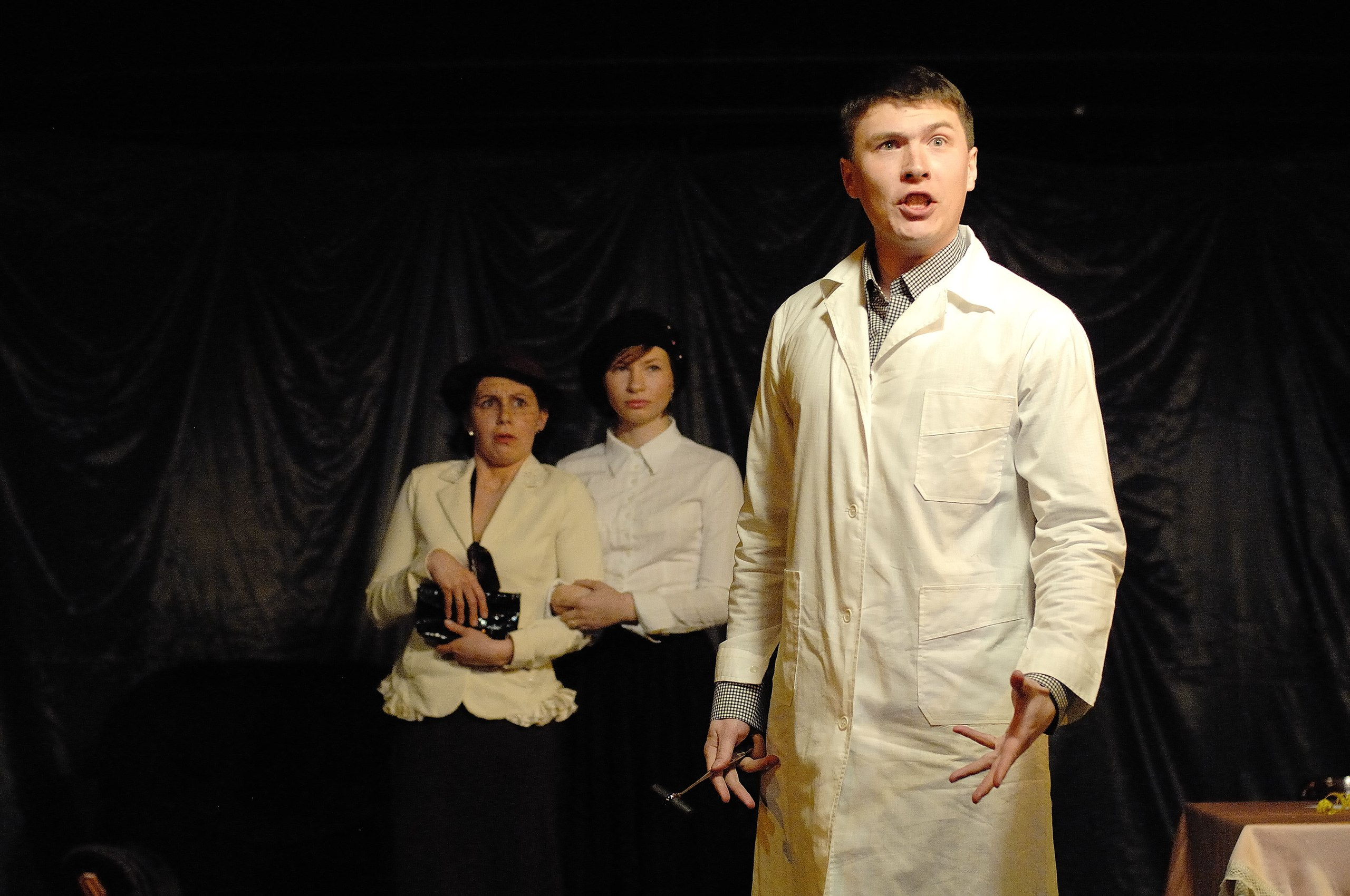 Спектакль «8 очень правдивых историй» на сцене театра «Остров»