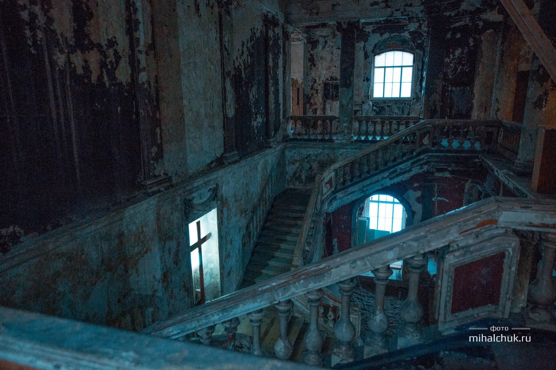 Интересное место для съемок в Питере — Церковь Святой Анны