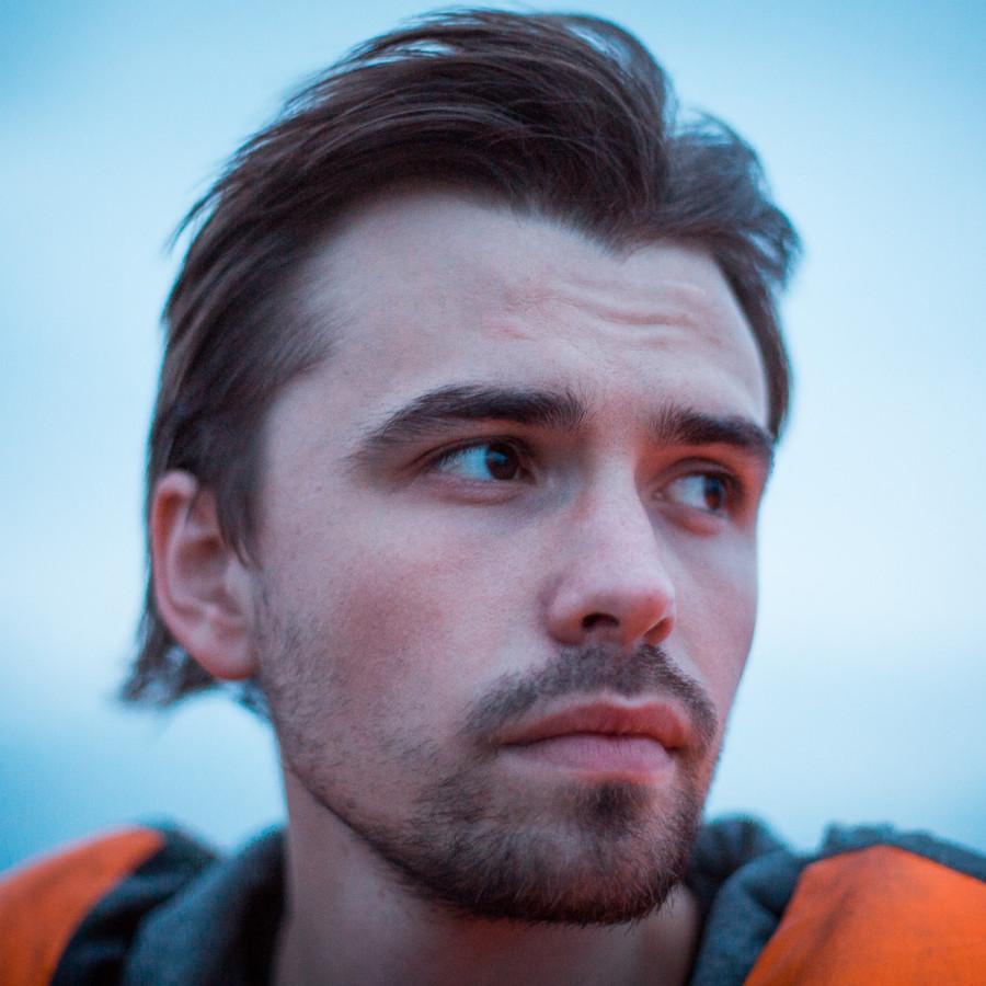 Антон Караваев
